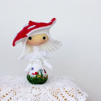 Crochet Amanita muscaria Doll.  - pdf crochet pattern. Tanoshi series toy.