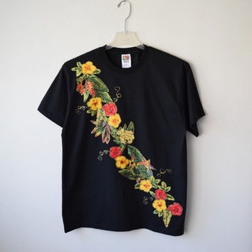 80s Tropical Floral Black T-Shirt // Appliqué Hibiscus Flowers Novelty Print Fabric w Gold Glitter // Summer Hipster Kitsch, Sz L