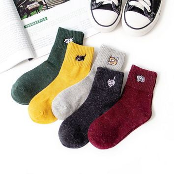 1 Pair High Quality Elegant Embroidery Cat Kitty Pattern Japanese College Style Women Girls Socks Chic Cotton Cute Sports Socks