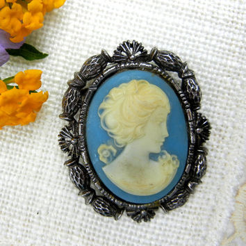 Cameo Brooch Pendant with Blue Background and Thistle Design Edge in Silver Tone