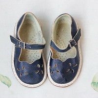 Soviet Toddler Sandals / Navy Blue All Leather Flat Perforated Kids Shoes, 1960's Mary Janes, Mid Century Ankle Strap Brogues: 2 - 2,5 y.o.