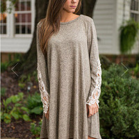 SIMPLE - Women Fashionable Lace Loose Long Sleeve Round Necked One Piece Dress a10913