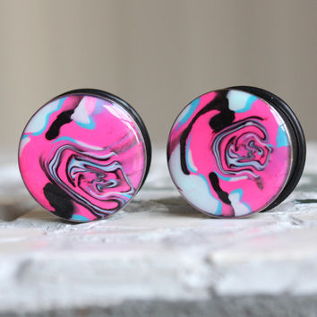 "7/8"" Plugs, 22mm Gauges, Hot Pink Plugs, Art Gauges, Resin Tunnels, Single Flare, Women Plugs - size 7/8"" (22mm)"