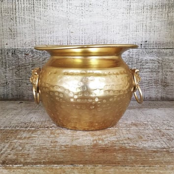Brass Planter Vintage Gold Vase Hammered Brass Planter Large Gold Vase Lion Head Handle Planter Gold Planter Brass Flower Pot Metal Planter
