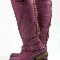 A Steep Climb Boot - Berry