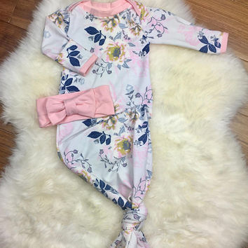 Baby Girl coming Home Outfit, Newborn Girl coming Home Outfit, Knotted gown, sleeper