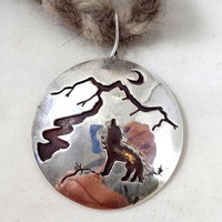 Estate Hand Crafted Sterling Silver Wolf Howling Scene Pendant