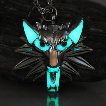 Game of Thrones Necklace Pendant Stark Twilight Wolf  The Witcher 3 Wild Hunt werewolf Necklace GLOW in the DARK night 3 color