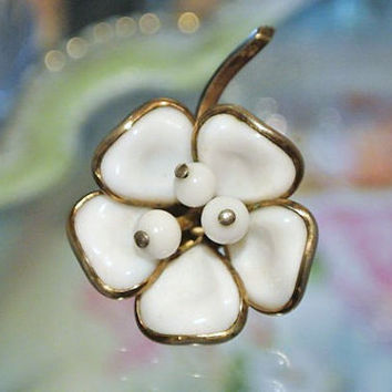 1940s Crown Trifari Brooch Poured Glass Dogwood Flower Pin  Antique Trifari 1940s 40s White Milk Glass Brooch Wedding Bride Bridal Fashion