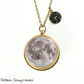 Moon and Stars Working Compass and Locket Necklace - Tiny Constellation Locket and Moon Compass, Custom Zodiac Jewelry