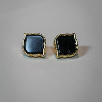 Spade Shape Earrings in Black