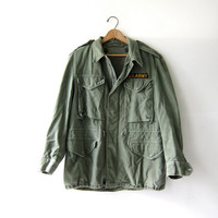 Vintage 70s USA Army coat. Green Parka jacket. Grunge Punk. Distressed.