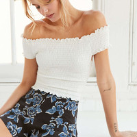 Kimchi Blue Rose Ruched White Off-The-Shoulder Top - Urban Outfitters