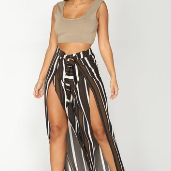 Draw The Line Striped Pants - Olive