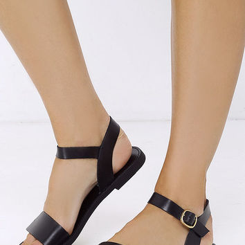 Steve Madden Donddi Black Leather Flat Sandals