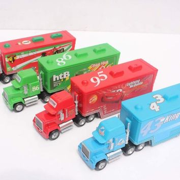 Pixar Cars 2 Toys Diecast Alloy and Plastic Mack Truck Chick Hicks Toy Model Car for Children Container Green Truck