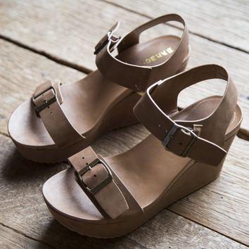 Cuddle Wedge, Tan