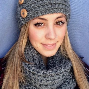 Knit Headband with Buttons in Soft Grey , Warm+Soft ear warmer, fashion accessory, Buttons