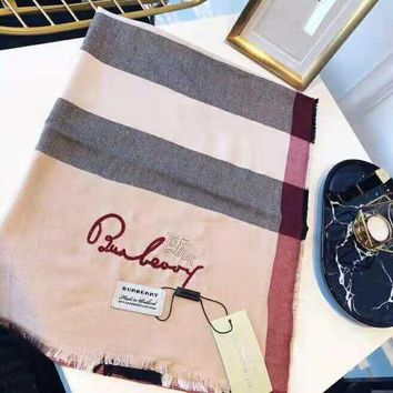 BURBERRY Fashionable Comfortable Plaid Cashmere Cape Scarf Scarves Shawl Accessories