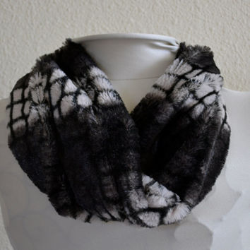 Women's Black and Silver Ultra Minky Faux Fur Cowl, Neck Warmer, Neck Piece, Circle Scarf, Ready to Ship!