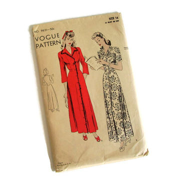 Vintage Vogue, Sewing Pattern, 1930's 1940's, Negligee or Housecoat, Size 14. No. 9631, Retro Fashion, Glamour