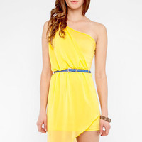 Same Side Belted Dress in Yellow :: tobi