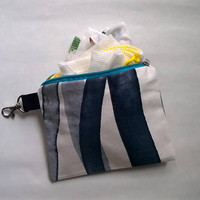 5 VEGAN Zero Waste Shopping Bags in Pouch with Blue-Grey Abstract Stripes