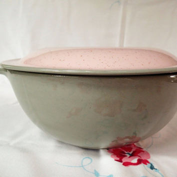 Harkerware Stone ware Shell Pink Round Tabbed Bowl Covered Casserole