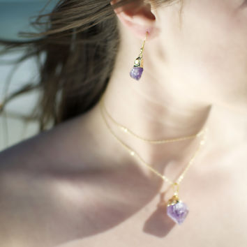 """Real Natural Raw Amethyst Stone Pendant Necklace With 26"""" Golden Plated Brass Chain"""