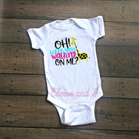 april giraffe, baby girl coming home outfit, baby boy take home outfit, giraffe baby clothes, giraffe toddler shirt, newborn outfit, gifts