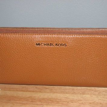Michael Kors Bedford Pebbled Leather Travel Continental Wallet Luggage Gold NWT