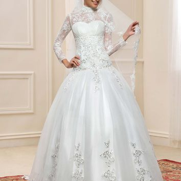 Long Sleeve Muslim Turtleneck Wedding Dresses Ball Gown 2017 Hijab Sequin Lace Applique Vintage Dubai Bridal Gowns Islam Kaftan