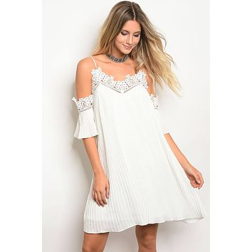 Ladies Off White 3/4 Sleeve Skater Dress With Lace Trim