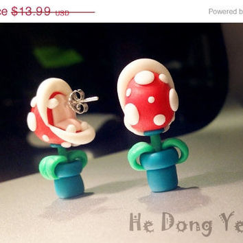 ON SALE A pair of lovely earrings Super Mario piranha