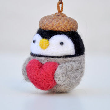 Penguin keychain, needle felt penguin figurine, penguin with heart, amigurumi animal, needle felt, mothers day gift, valentines day gift