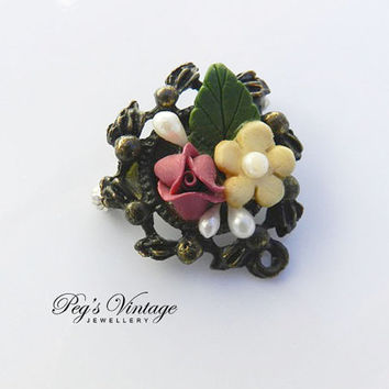 Vintage/Antique  Celluloid Flower/Pearl Pin/Brooch/Pendant, Small Metal Flower Pin