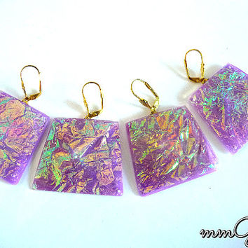 Gold flakes earrings, resin earrings, pastel, purple, pale pink, gold, drop, geometric, rectangle, high fashion, dichroic, earrings,