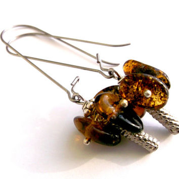 Free shipping.Amber earrings.Nature amber earrings.Dangle earrings.dark Honey earrings.Summer earrings.Dark earrings.Amber jewelry.Chips.