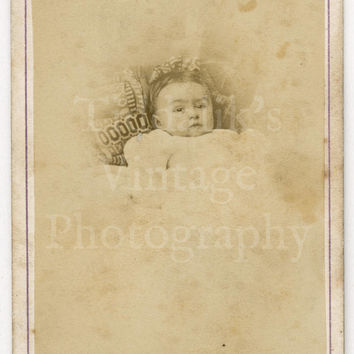 CDV Carte de Visite Photo Victorian Baby Cute Portrait by Boname of Besançon France