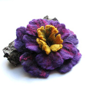 Felt Brooch - Felt Flower -  wet felt brooch - Flower Brooch -- PURPLE Flower -  Flower Pin -  Gift For Her - Gifts Ideas - Felt Brooch