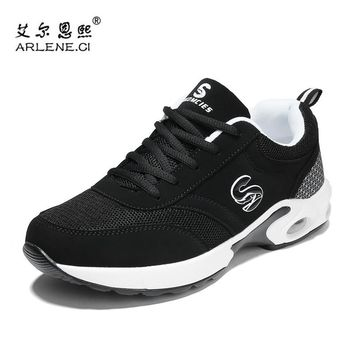 Couples Tennis Shoes Breathable Mesh Women Brand Sports Shoes Super Light Lace-up Outdoor Mens Athletic Trail Tenis Sneakers