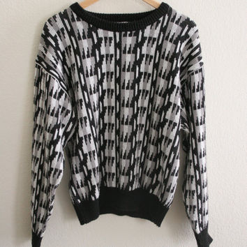 Vintage 80s abstract triangle knit sweater /  jumper black and white