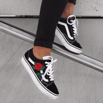 vans classics old skool rose embroidery black pink sneaker ii