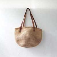 vintage woven market bag. farmers bag. large jute shoulder bag.