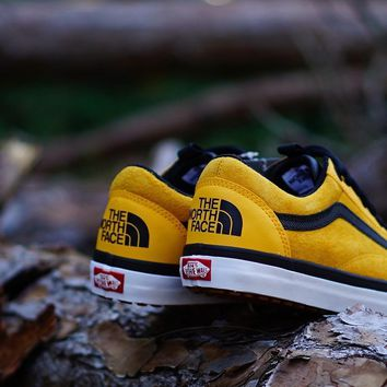 GE AUGUAU The North Face X Vans Old Skool MTE DX  Yellow
