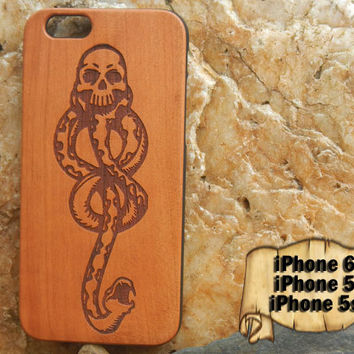 Dark Mark, Voldemort, Harry Potter, Engraved iPhone 6 5 5s Wood Case, Made from Genuine Walnut or Cherry