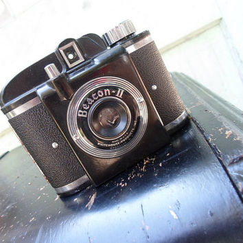 Beacon II Vintage Camera w/Leather Case, Working Condition
