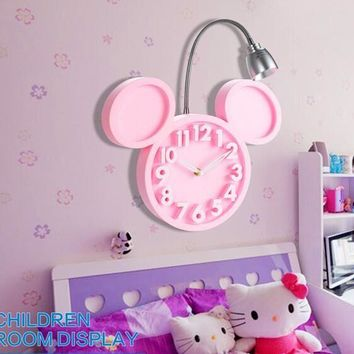 CREATIVE MITCH WALL CLOCK WITH ROTATING LED LAMP
