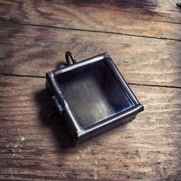"SMALL Square Shadowbox Glass Locket Square Box Pendant 1"" Diameter Charm Antique Bronze Vintage Style (BD031)"