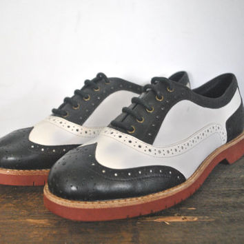 Leather Oxford Saddle Shoes / black and white / size 6 1/2